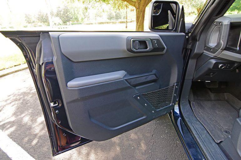 2021 ford bronco sasquatch frameless doors